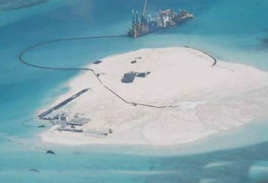 南海争端:菲律宾称中国填海造岛别有用心