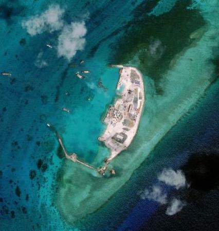 越南在南海填海 外交部:非法侵占中国岛礁
